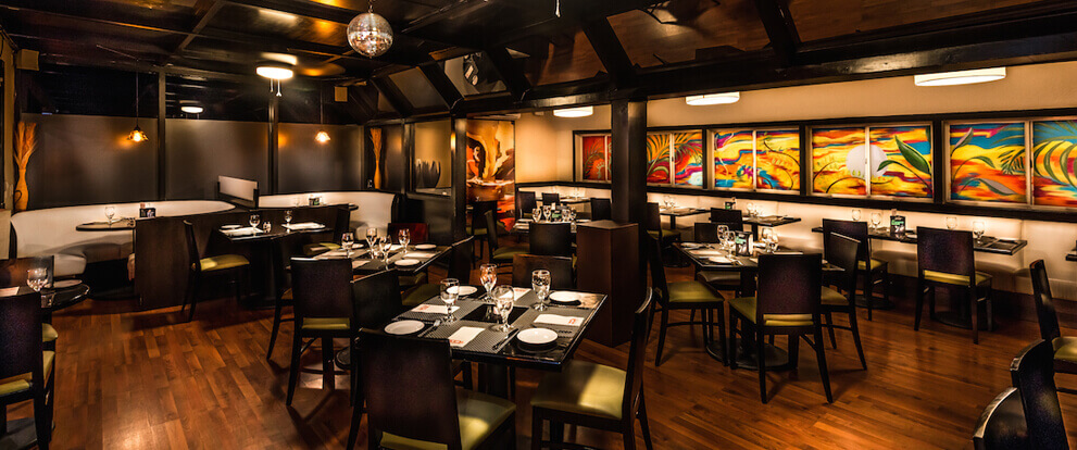 Xq S Bar And Grill Dining Restaurant In Cayman Islands Cayman Fine